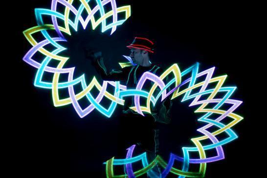 Leuchtshow - LED Show - Leuchtjonglage