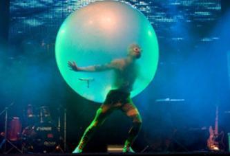 Balloon-Show (the man in the balloon)